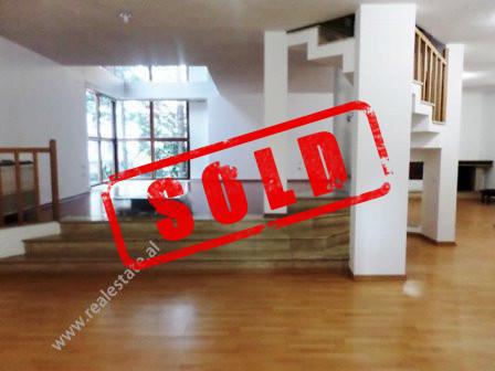 Apartament 3+1 per shitje ne rrugen Liman Kaba ne Tirane  Ndodhet ne katin e 1-re dhe te 2-te te n