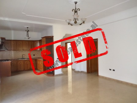Three bedroom apartment for sale in At Zef Valentini street, near the General Directorate of Customs