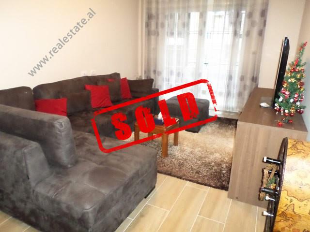 Apartament 1+1 per shitje ne rrugen Lidhja e Prizrenit ne Tirane.  Ndodhet ne katin e 2-te te nje