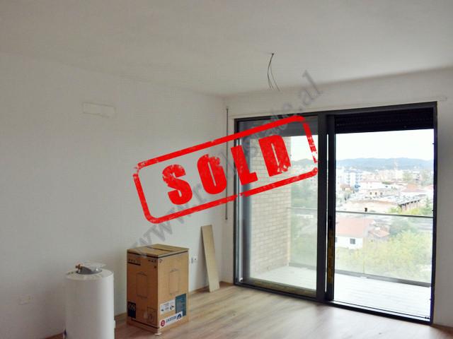 Ofrohen apartamente 2+1 dhe 3+1 per shitje ne rrugen Don Bosko ne Tirane. Ndodhen brenda nje komple